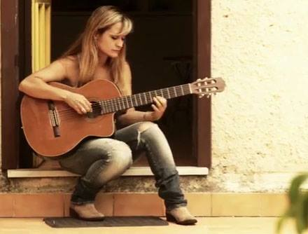 Francesca Romana's New AlbumCampaign