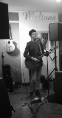 Matthew Bloomfield - live a Meltons Music Cafet