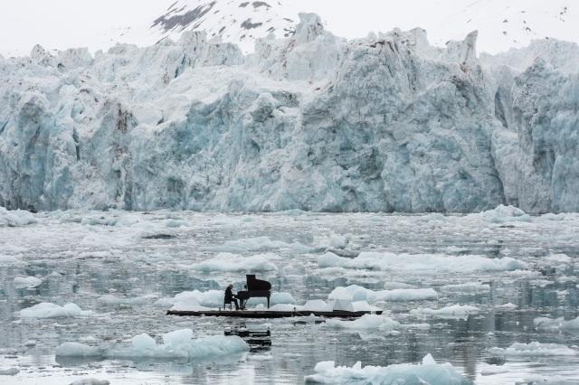 15/06/2016 Wahlenbergbreen Glacier, Svalbard, Norway. © Pedro Armestre/ Greenpeace Handout